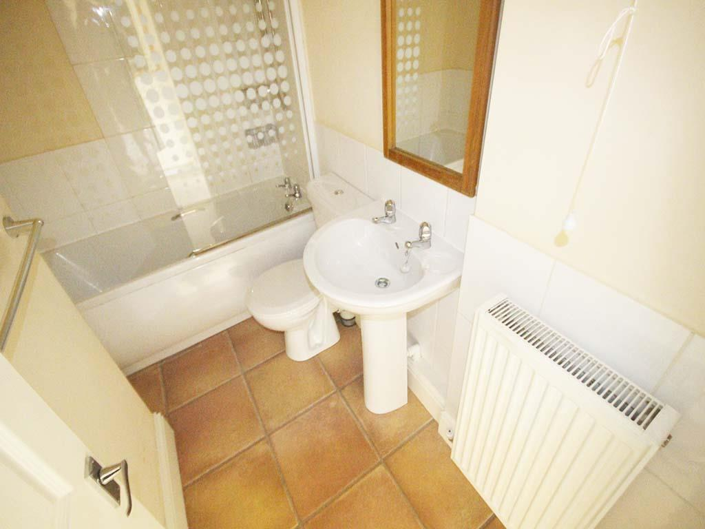 2 bedroom mid terrace house For Sale in Barnoldswick - IMG_7404.jpg